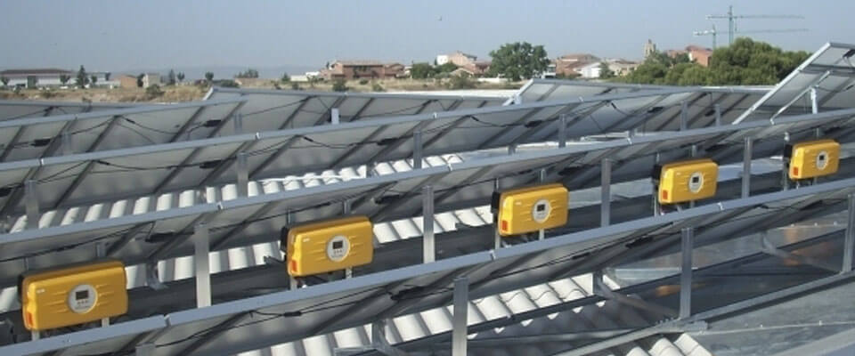 Solar Inverters: A brief guide on how to choose the Best Solar inverter